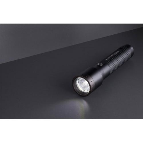 Ročna svetilka  Ledlenser P7R Core, črna